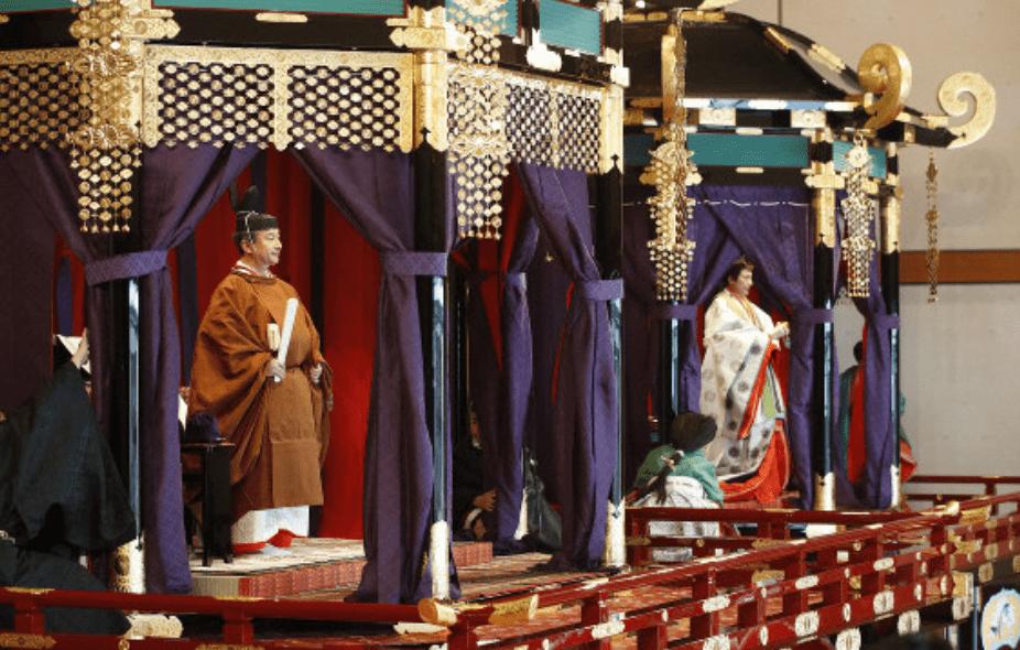 即位礼正殿の儀で来賓のファーストレディーの洋服は?昭恵夫人も